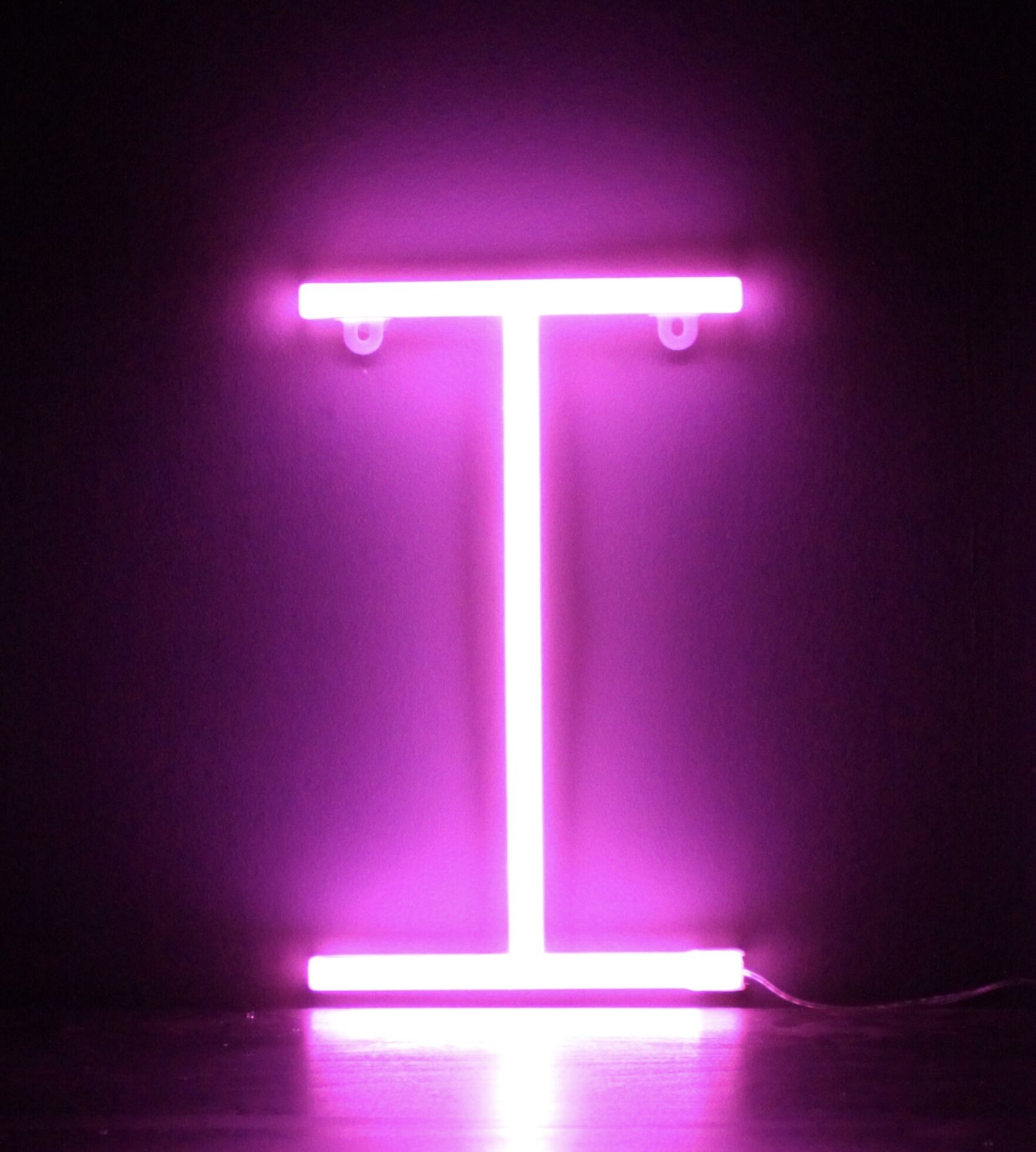 Neon Letter I – Pink – Smiling Faces Retail